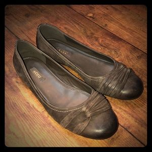 ECCO~Kelly Twist Detail Ballet Flats~size 9/ EU 40